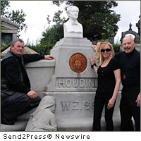 Inside Story of How Houdini's Missing Bust Was Recently Secretly Restored to His Gravesite in New York City